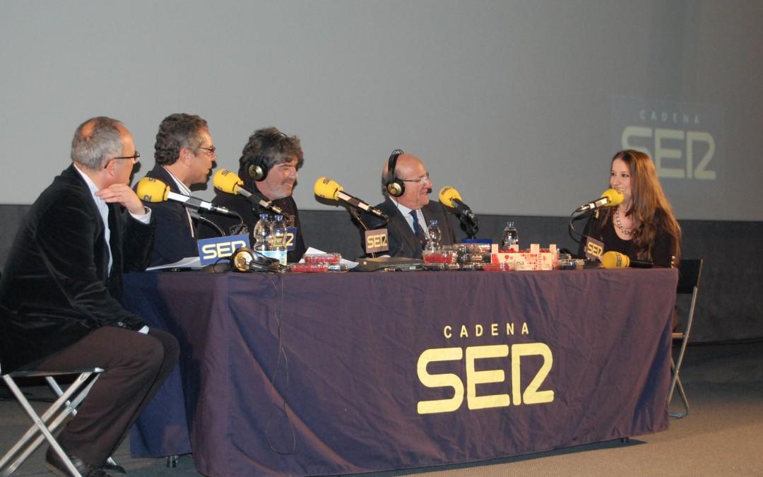 Freshuelva colabora con la grabación del programa de la SER La Cámara de los Balones