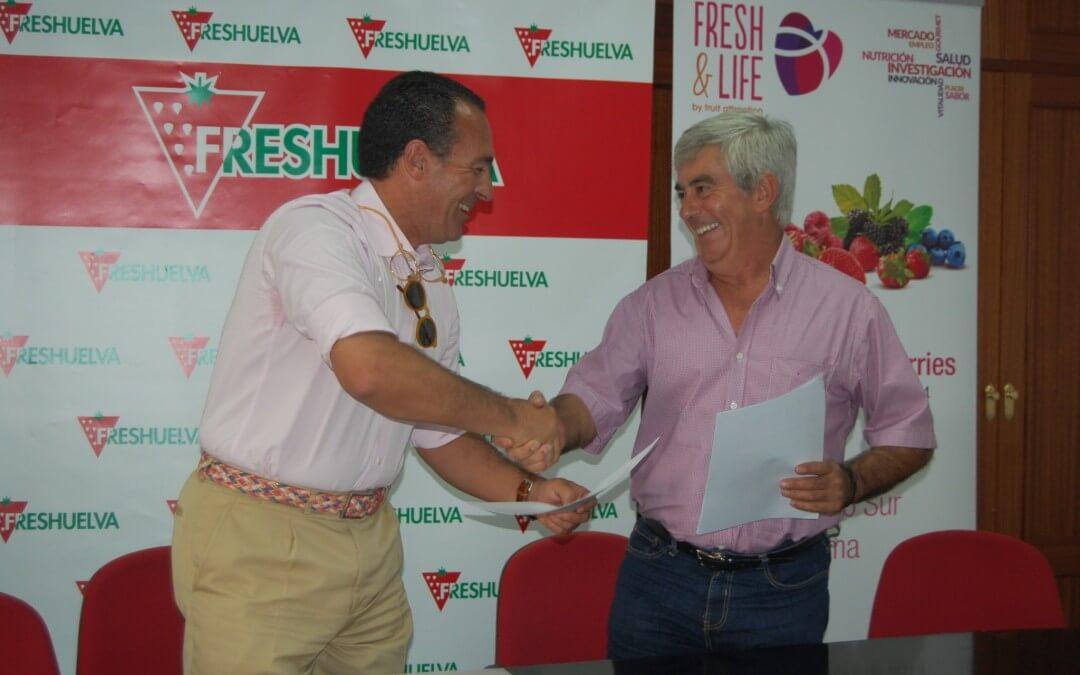 Freshuelva firma un convenio de colaboración con Viajes El Corte Inglés