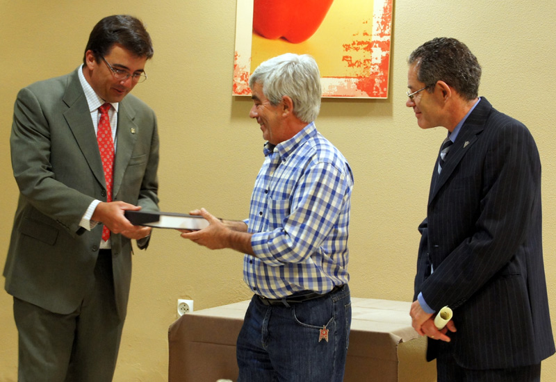 Freshuelva recibe el premio San Isidro a la Excelencia Agroalimentaria del Colegio Oficial de Ingenieros Agrónomos de Andalucía