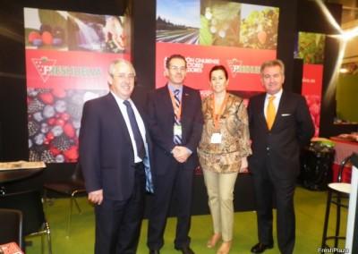 Representantes de Freshuelva con empresas del sector