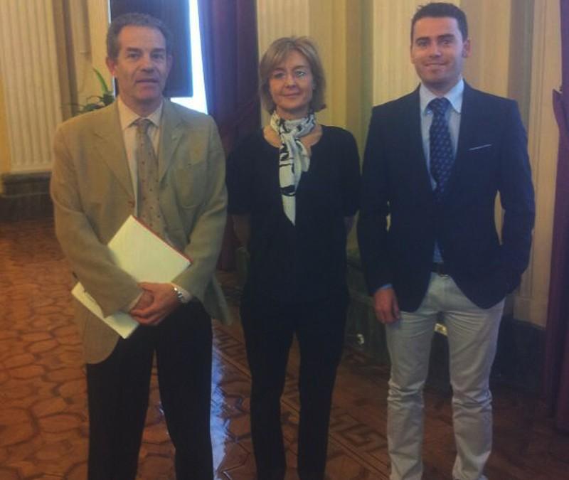 Freshuelva y Fepex se reúnen con la ministra de Agricultura