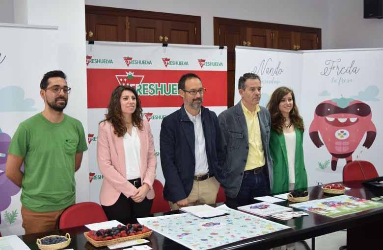 Plus Berries difunde las propiedades saludables de los frutos rojos entre los escolares de Huelva