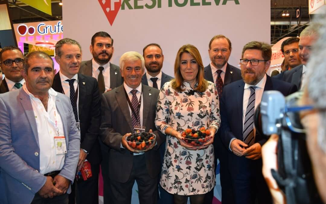 La presidenta de la Junta apoya al sector de los frutos rojos de Huelva en Fruit Attraction