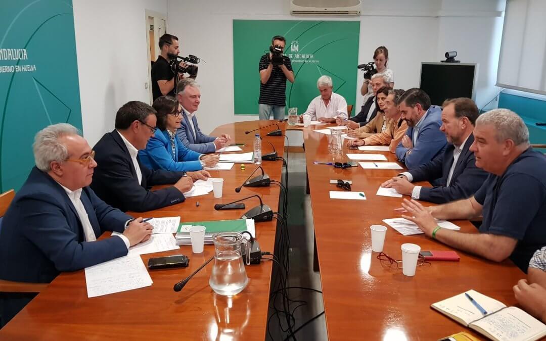 Sector fresero y Junta anuncian un protocolo de actuación para evitar abusos a temporeras