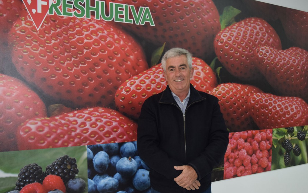 Alberto Garrocho, re-elected president of Freshuelva