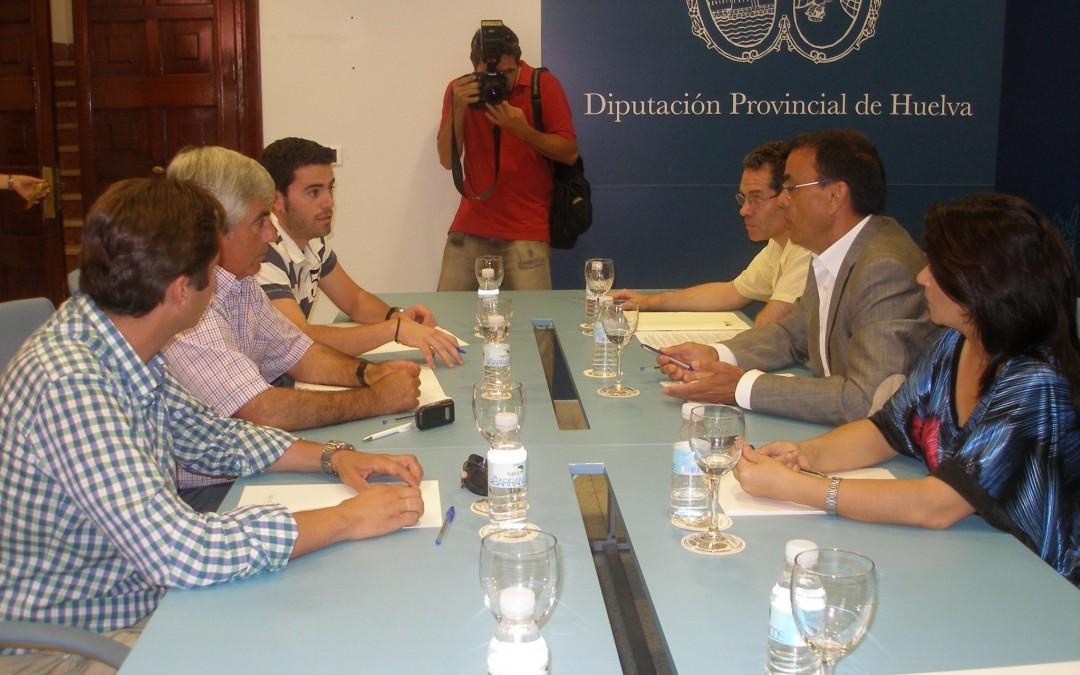 Freshuelva y Diputación pondrán en marcha una campaña publicitaria para restablecer la imagen del sector