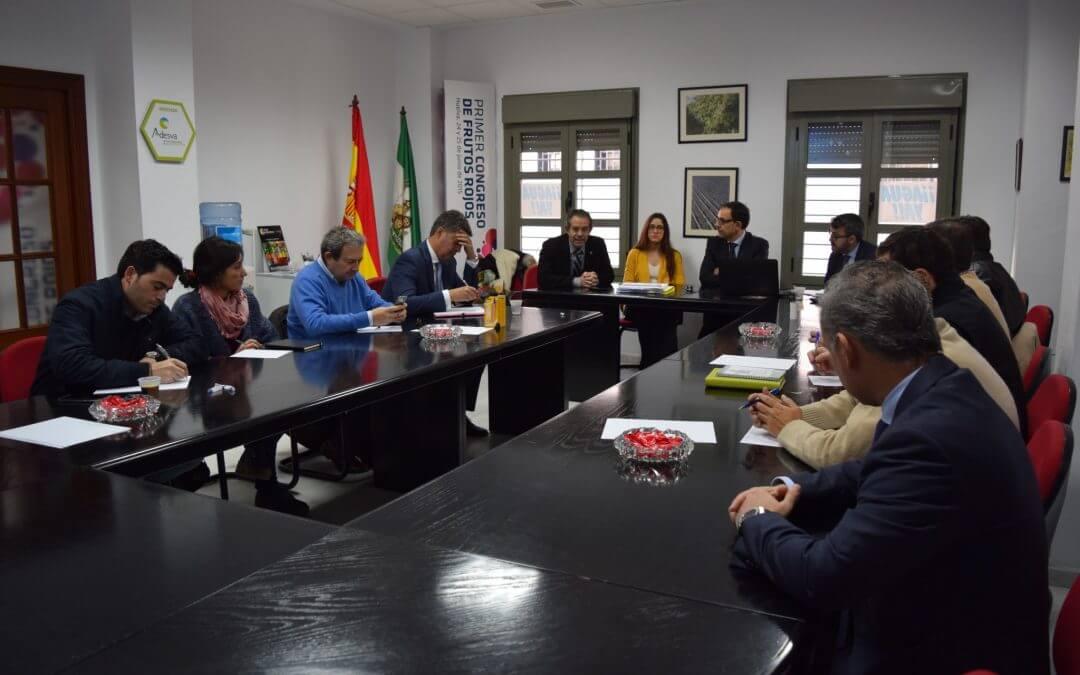 Garrigues aborda los aspectos legales de las variedades en una jornada en Freshuelva